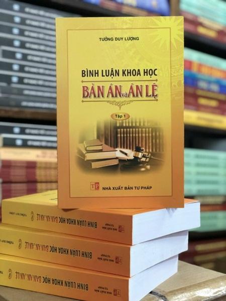 Bình luận khoa học bản án và án lệ
